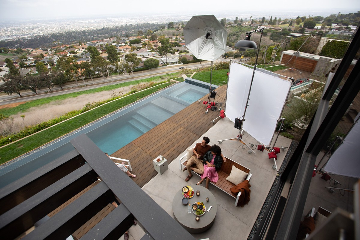 "Natalie Faye BTS: ""Samsung Terrace"""
